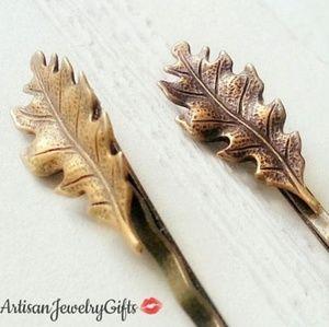Small Antique Brass Oak Leaf Bobby Pin Set